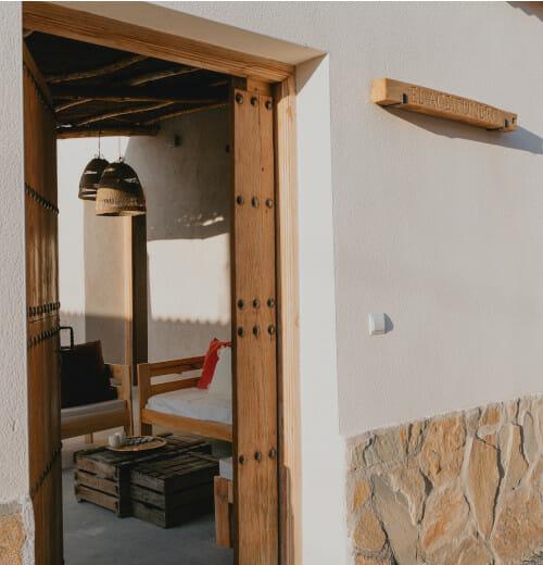 Entrada de El Aceitunero (Casa Rural en Ávila)